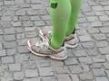 Präsentiert wurde wieder einmal die neueste Läufermode: todschick in grün …